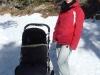 Fränzi und Jael auf dem Winterwanderweg