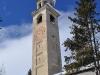 Schiefer Kirchturm